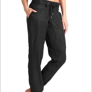 Athleta Sutra Pant in Black Size 4